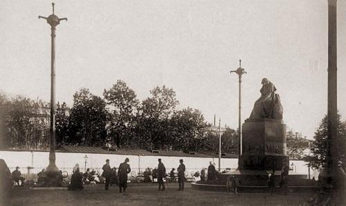 Арбатская площадь в середине 20-х годов XX века Старое видео Москвы.Памятник Гоголю в нач 20 века