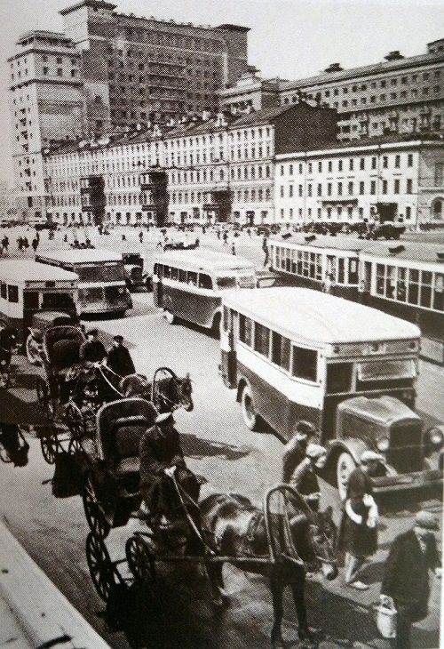 Городской транспорт Москвы 1930 год. Открытие московского метрополитена. Видео 1935 года.