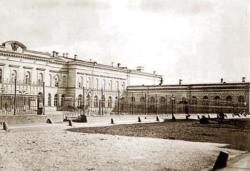 Московский почтамт в 1872 г. Московский почтамт Мясницкая (видео 1927 г.)