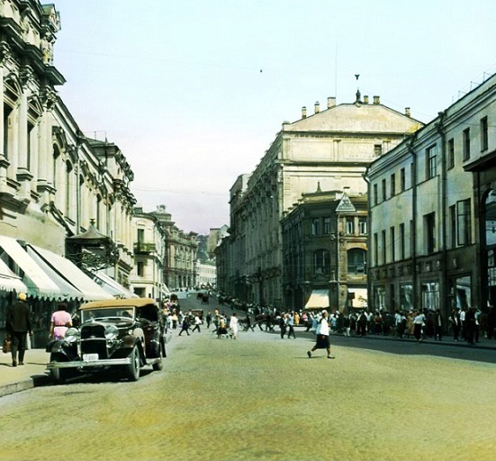 1908 и 1927. Улица Кузнецкий мост. Кадры кинохроники. Москва 1908