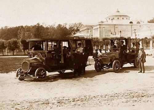 История автобусного транспорта. История общественного транспорта в Москве. Видео середины 20-х гг. XX века. Конка, трамваи, автобусы.