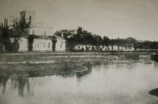 Дом Фальц-Фейнов в Аскании-Нова. Смотреть кинохронику онлайн. Аскания-Нова в 1914 г.