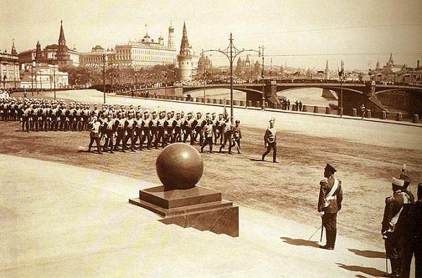 Парад в честь открытия памятника Александру III в Москве 1912 год. Видео!!