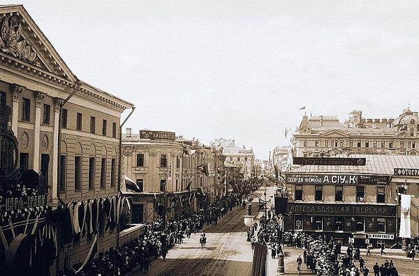 Тверская улица в конце XIX века. Фильмы 1896 года