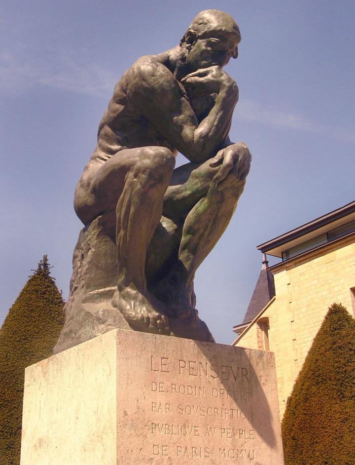 Фансуа Огюст Роден. Скульптор за работой в своей мастерской. Кадры 1915 года.